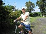 電動自転車に乗るTさん