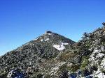 雪のトーフ岩