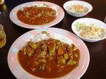 野菜カレーとトマトカレー